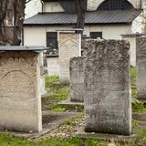 Image: Remuh Synagogue and cemetery in Krakow